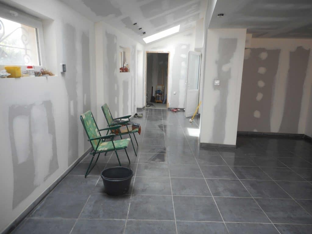 r novation d 39 un garage en appartement schillaci. Black Bedroom Furniture Sets. Home Design Ideas